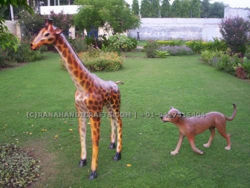 Giraffe-Kid-Sculpture