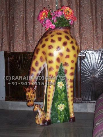 Giraffe-Sculpture-2