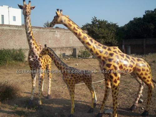 Giraffe-Sculptures