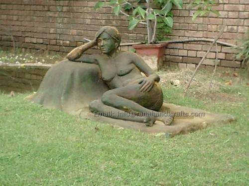 lady sculpture