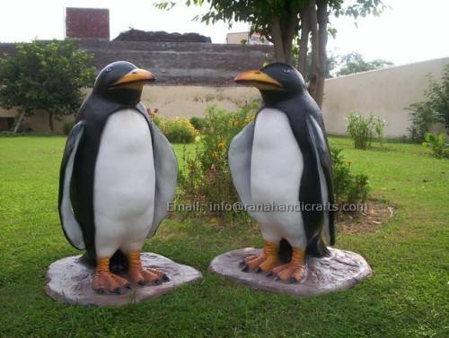 penguin-sculpture