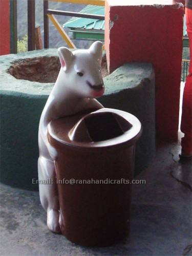 squirrel-dustbin-fiberglass